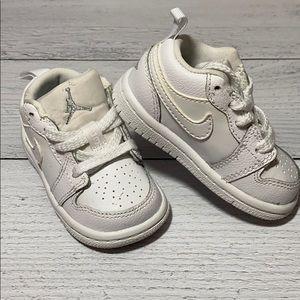 Nike Air Jordan White 4C